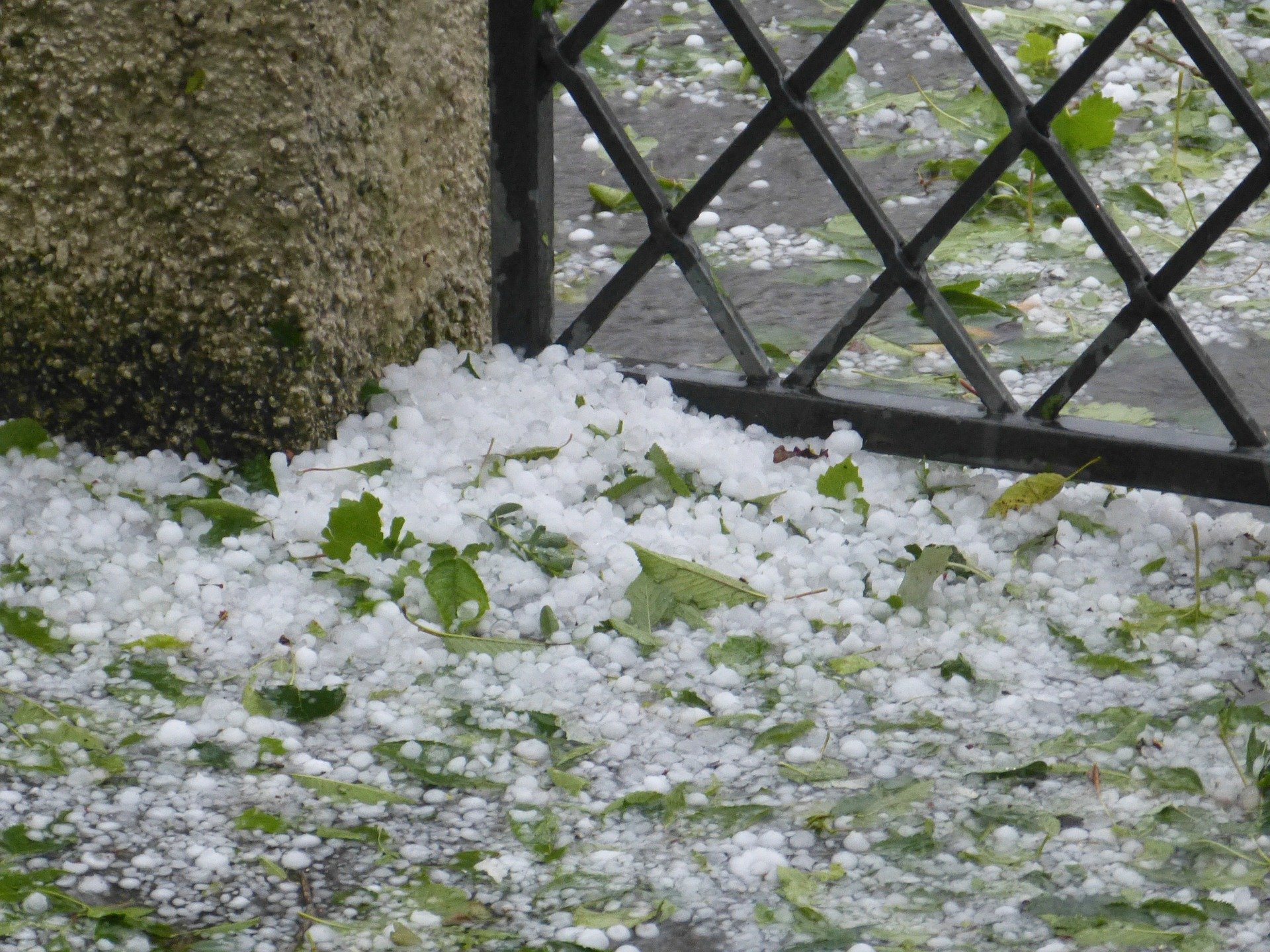 hail accumulation on ground